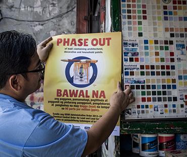 Manny Calonzo. Bando alle vernici al piombo nelle Filippine!
