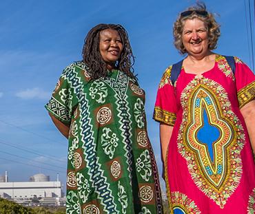Makoma Lekalakala e Liz McDaid. Stop al nucleare in Sud Africa