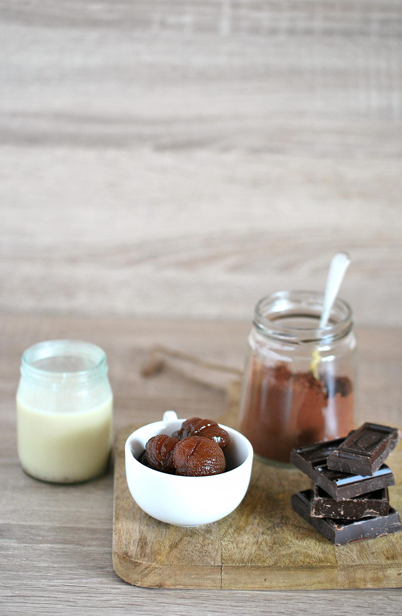 La ricetta dei marron glace mignon ha pochissimi ingredienti.