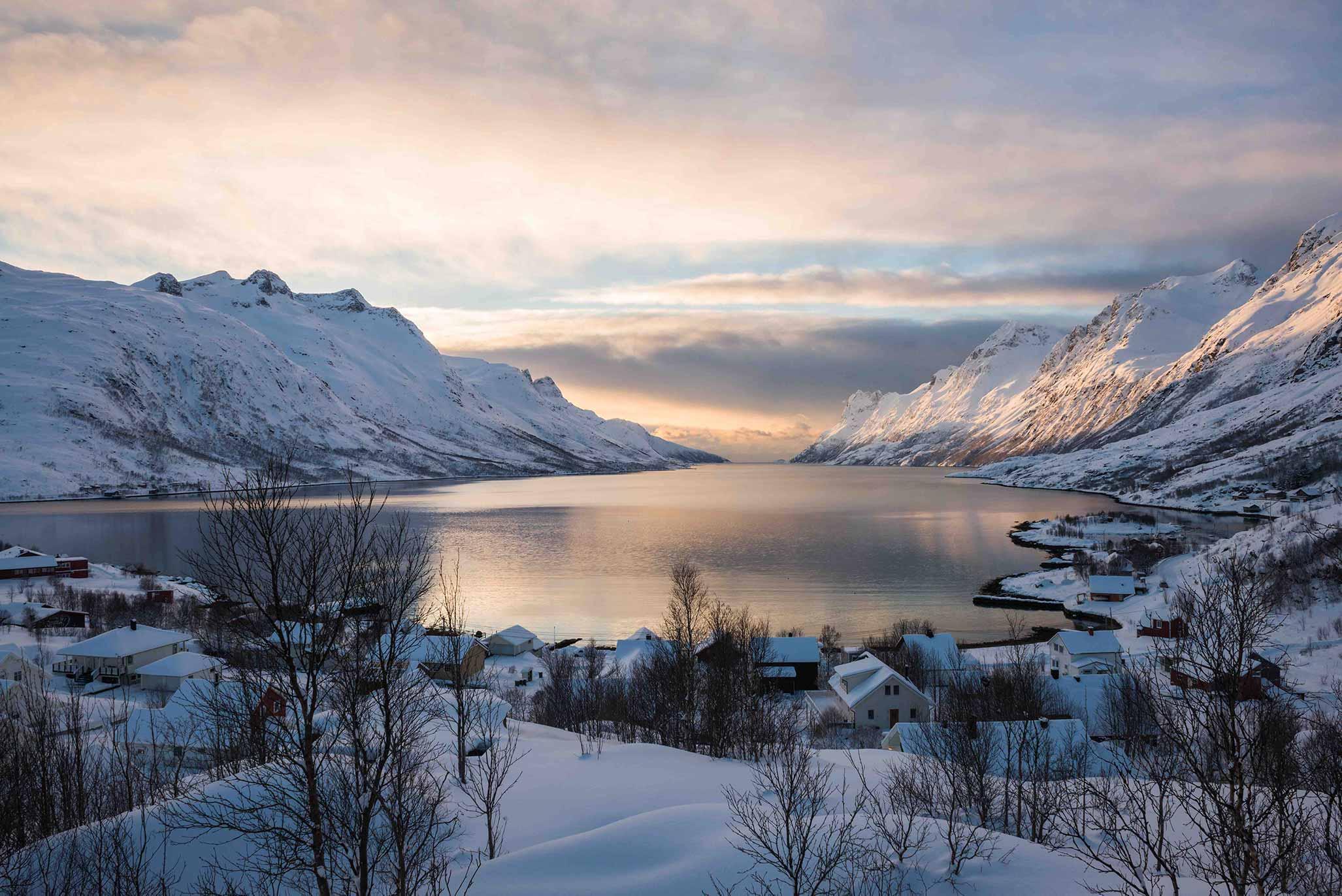 I fiordi sono uno spettacolo naturale tipico della Norvegia
