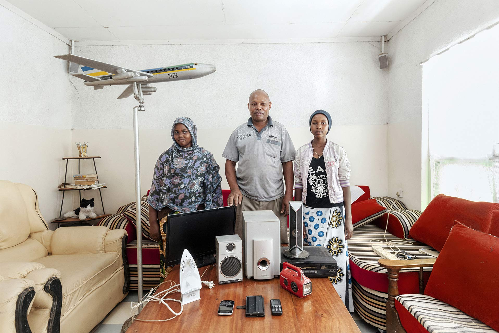 Elettrodomestici di una famiglia africana. Energy portraits - Reportage del fotografo Marco Garofalo