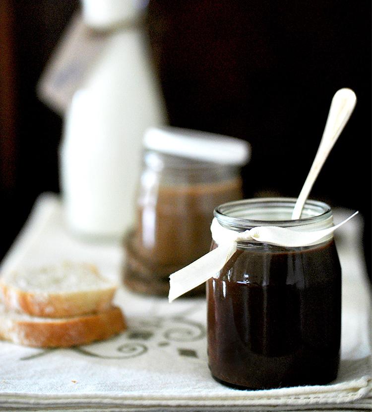 Puoi riciclare gli avanzi del panettone e del pandoro per ottenere una deliziosa crema spalmabile.