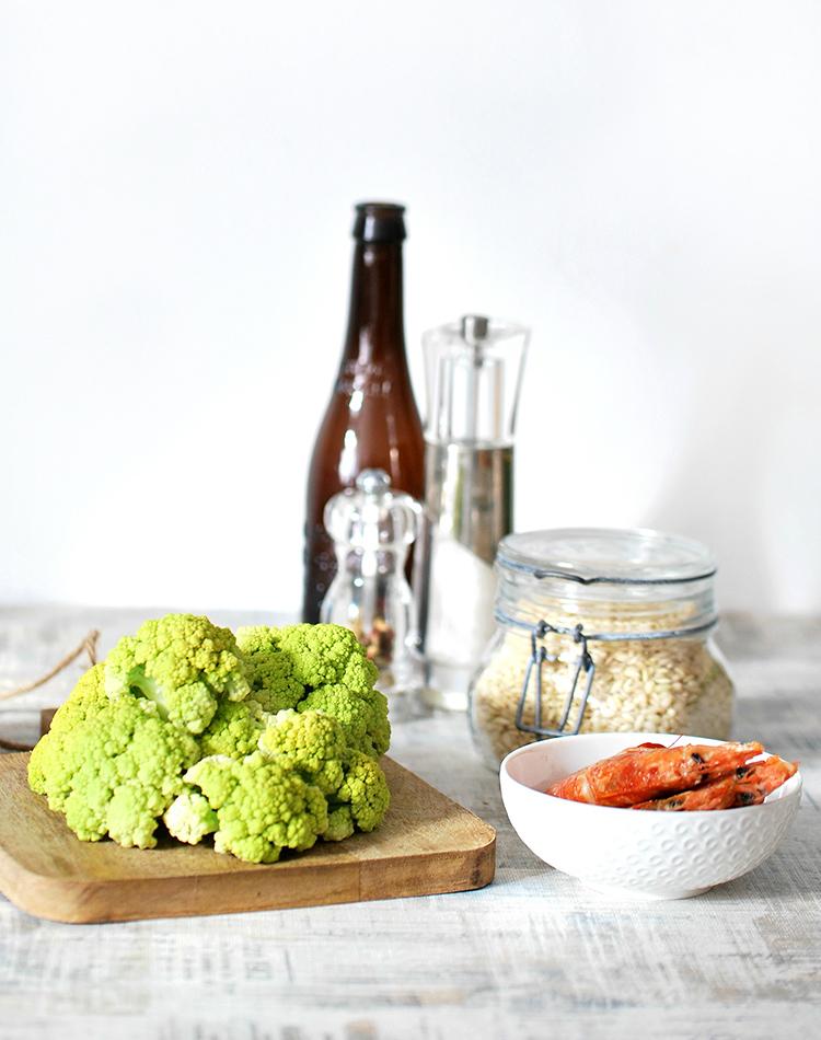 Il cavolfiore verde e gli altri ingredienti della ricetta