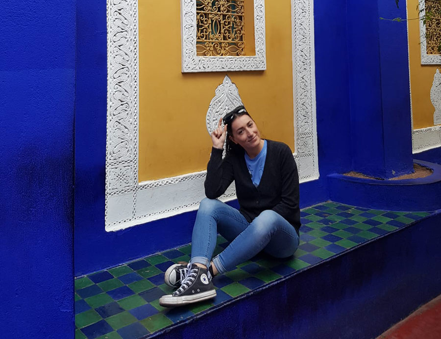 Lei è Sara Caulfield, travel blogger.