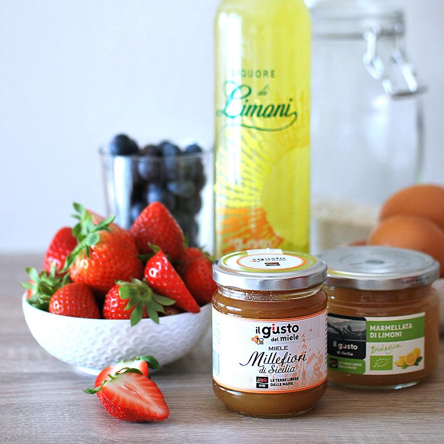 Preparazione della crostata ricotta e frutti di bosco freschi: gli ingredienti