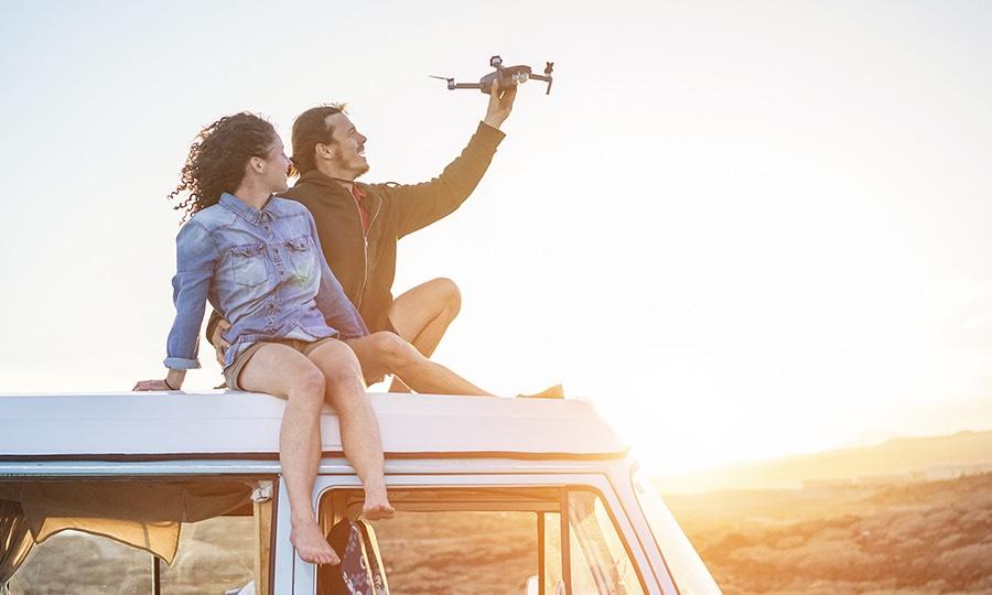 Accessori hi-tech da viaggio: i gadget davvero indispensabili