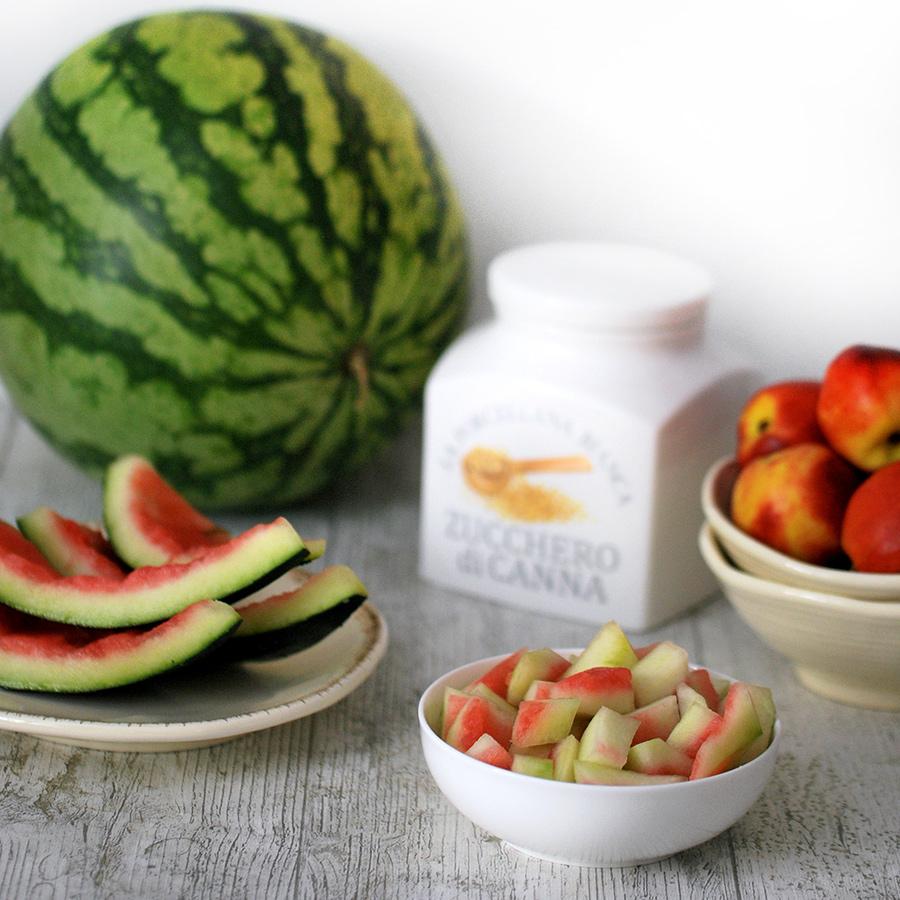 Gli ingredienti per preparare la confettura di bucce di anguria