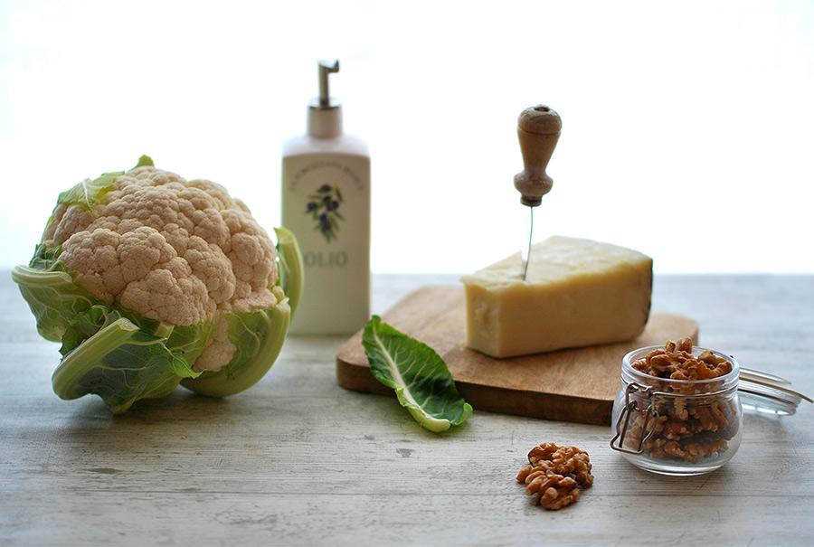 Il cavolfiore, le noci e il parmigiano: gli ingredienti