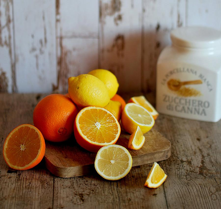 Arance e limoni: gli ingredienti essenziali della ricetta dei canditi