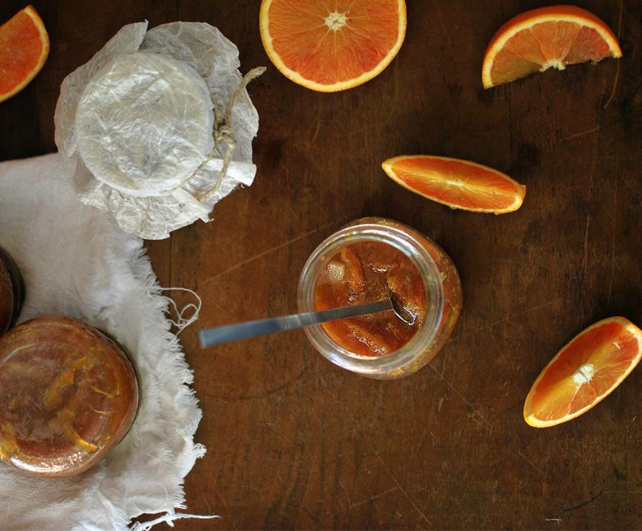 Le bucce d'arancia diventano marmellata