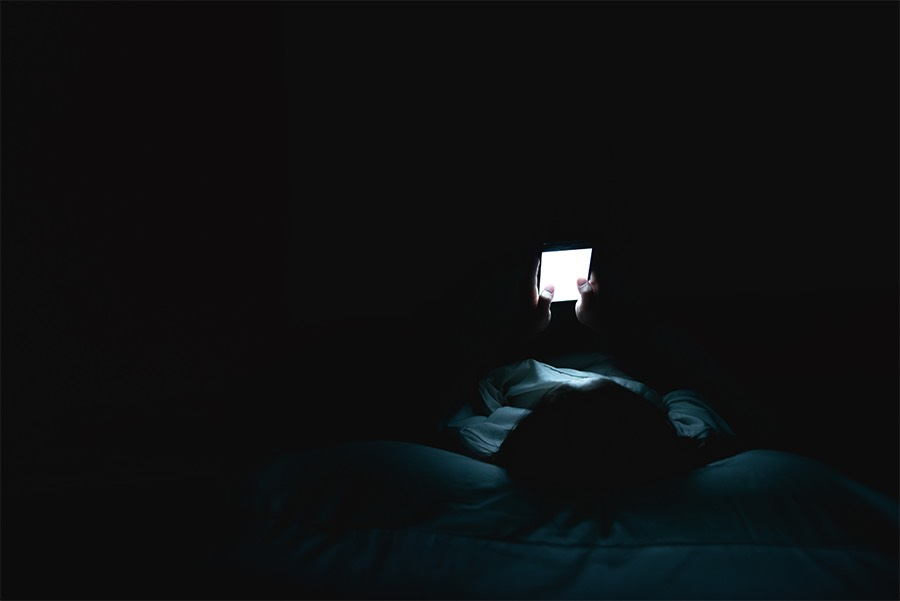 Gli effetti della luce blu sul sonno