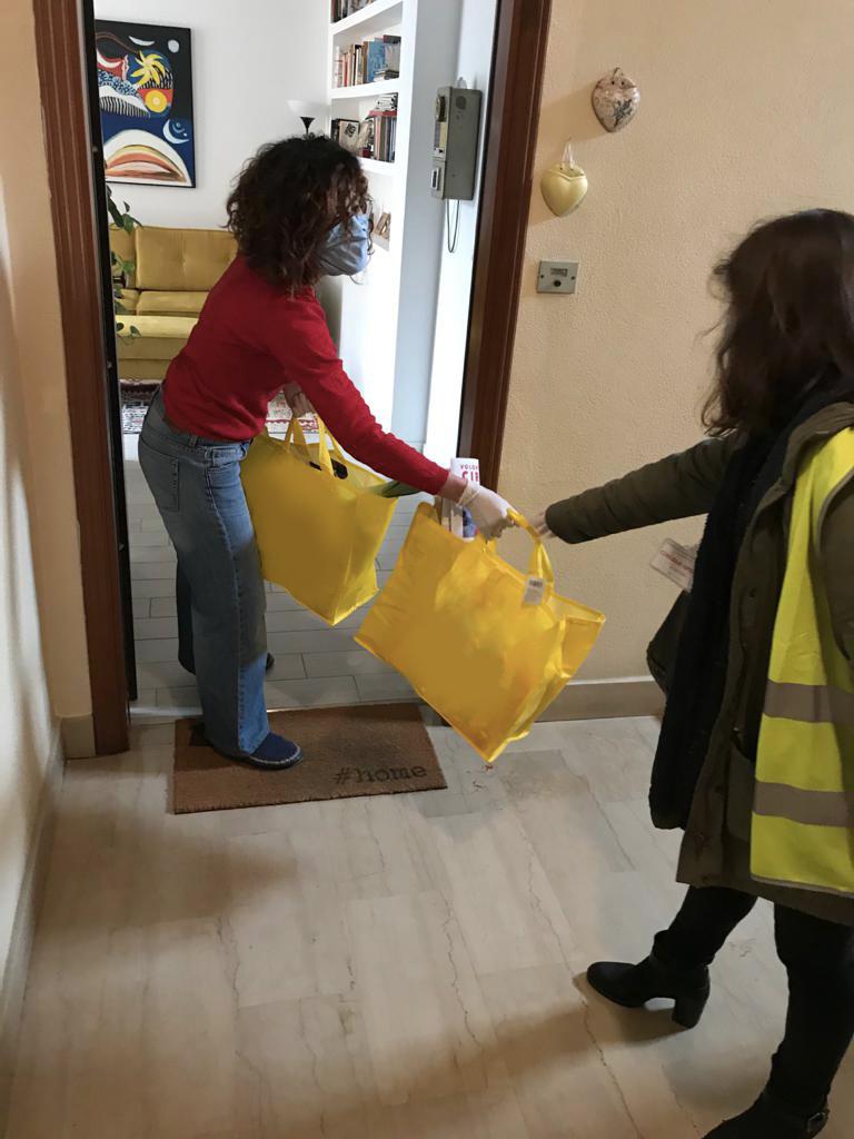 I volontari del coronavirus che lavorano per aiutare il prossimo