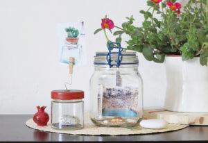 barattoli di vetro riciclati come portafoto